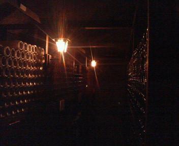 山梨ワイン醸造の保管庫
