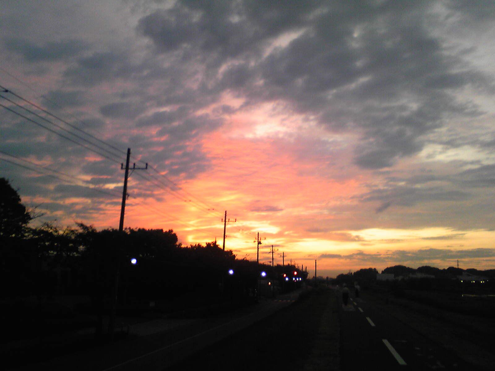 マゼンタの濃い朝日